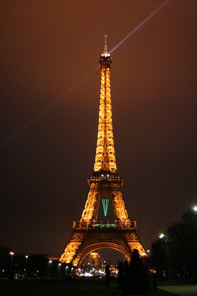 paris at night poem. paris at night wallpaper. Eiffel+tower+paris+night; Eiffel+tower+paris+night